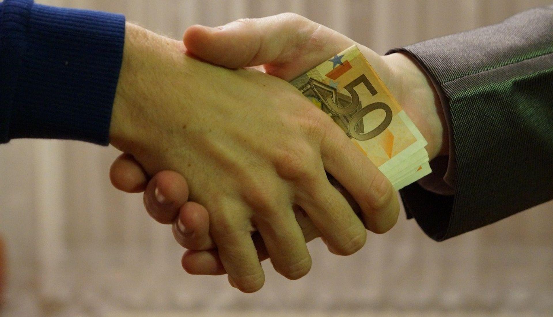 Micro-crédit et social business : l'histoire du capitalisme à visage humain ?
