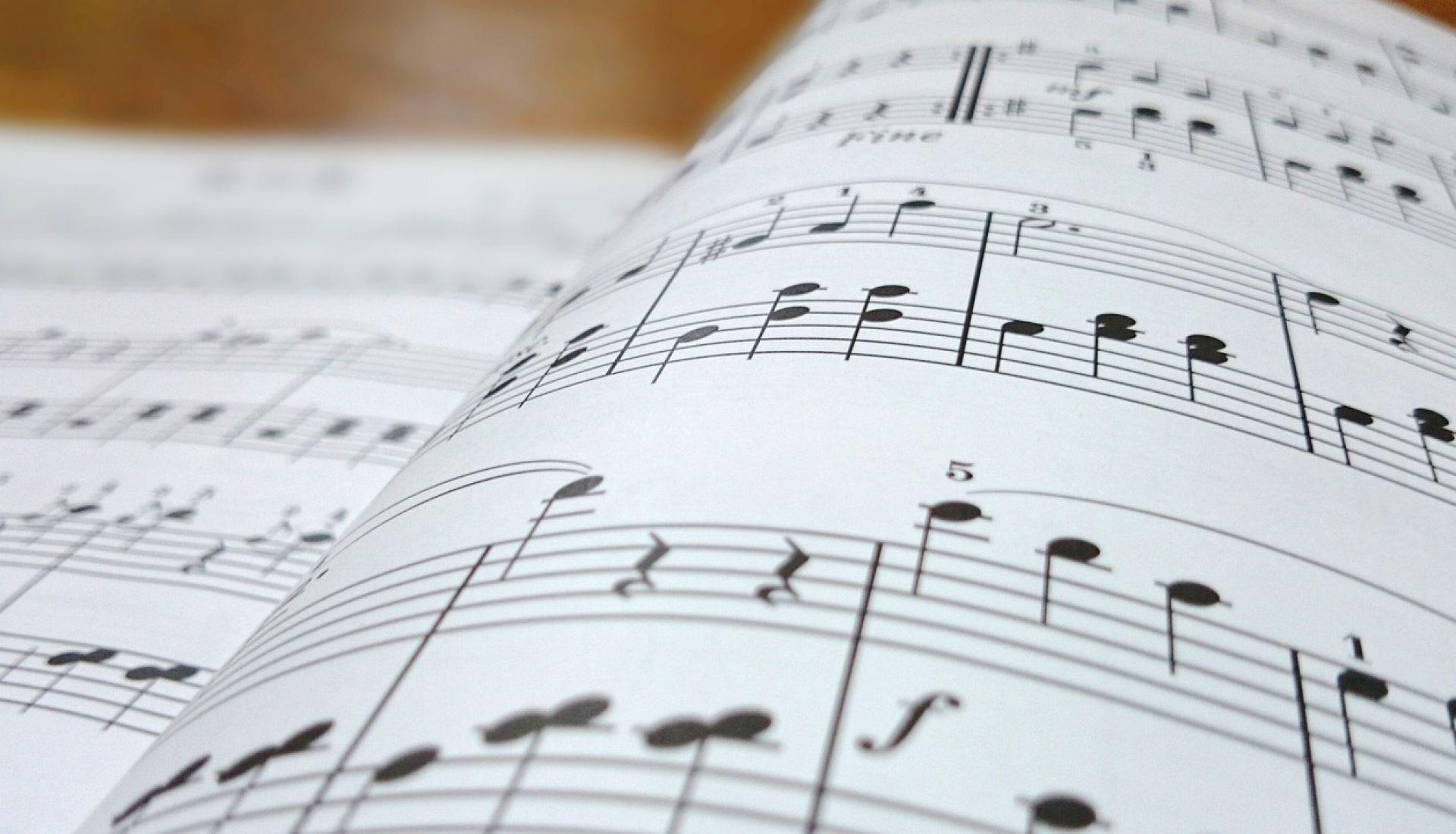 Sans avoir fait de solfège, pratiquer la musique !