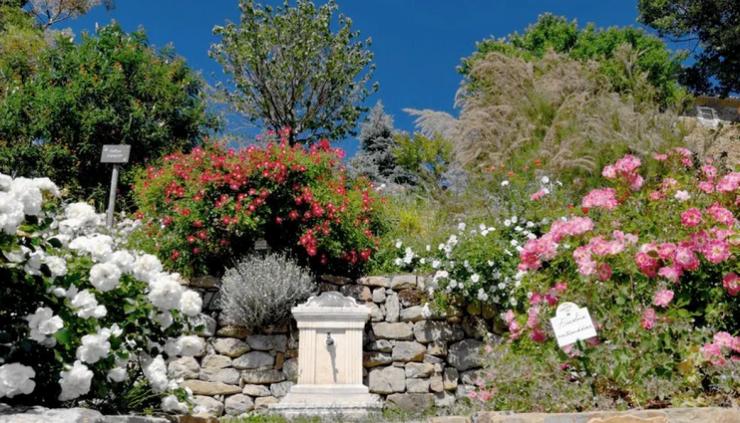 Le jardin de l'abbaye de Valsaintes, en Luberon